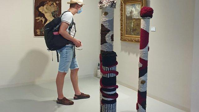 Ausstellungsansicht Reichardt, mit Besucher